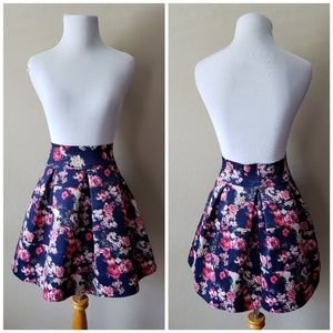 New! Xhilaration Floral Bubble Skirt Small